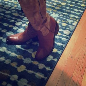 Vicmatie boots suede leather